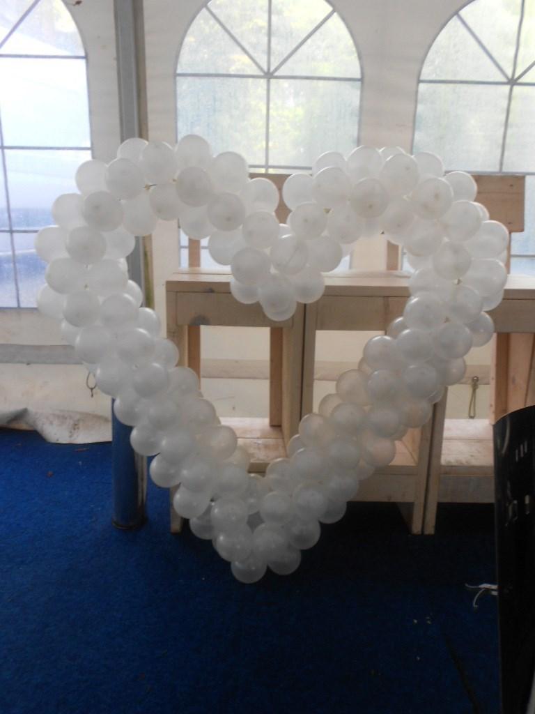 Ballonnen voor bruiloft ballonnenpartners for Decoratie bruiloft zelf maken