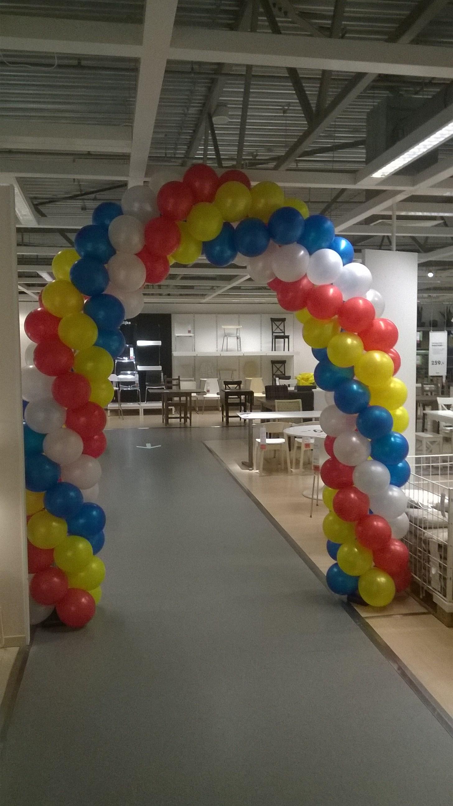 ballonnenboog opening nieuwe bedden afdeling Ikea Duiven